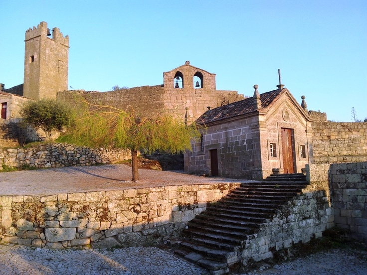 Castle and village view of Marialva  #Portugal