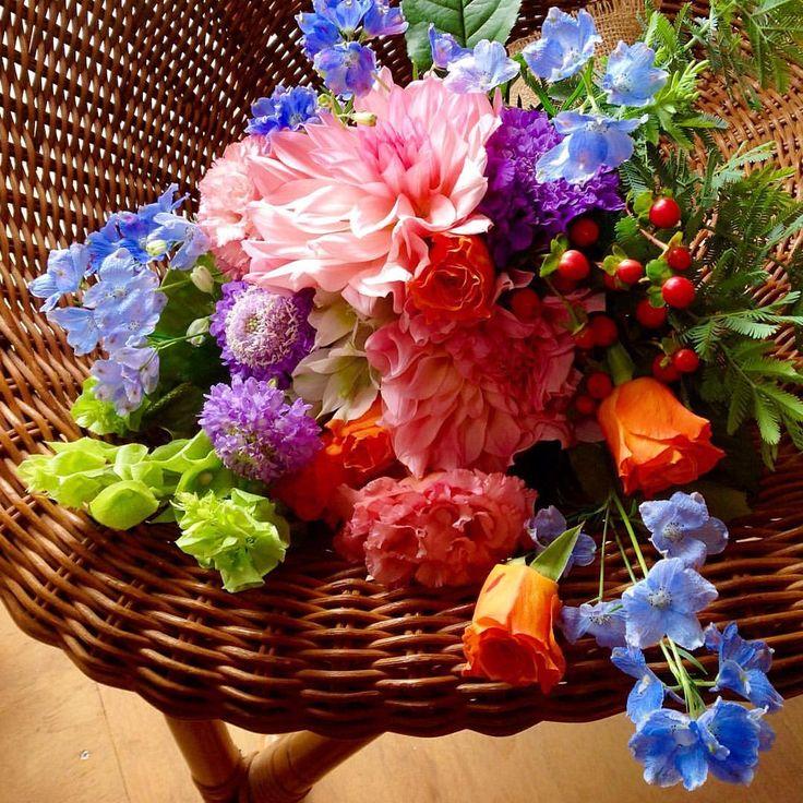 #flowers#greens#gardening#plants #flowerlovers#bouquet#花#花束#ブーケ#花のある暮らし #バラ#ダリア#デルフィニウム#トルコキキョウ#スカビオサ#ヒペリカム#モルセラ#アンスリューム#アカシア