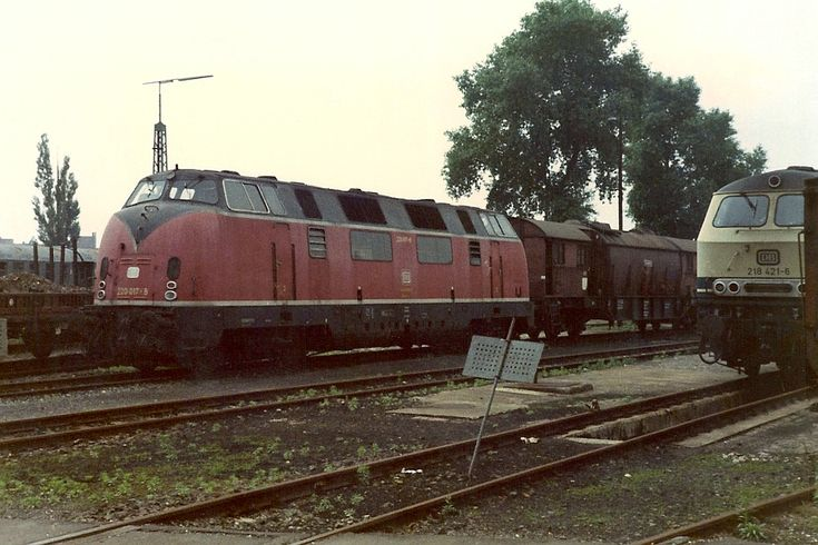 Deutsche Bundesbahn - 220 017