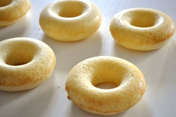 ... donuts - Baked donuts are nothing more than cupcakes made in a donut