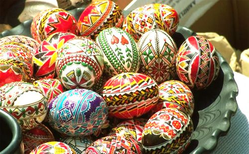 Polskie pisankiEaster Custom, Eggs, Easter Holidays Spr, Wielkanocn Jaja, Easter Crafts, Folk Art Costumes, Ozdobić Wielkanocn, Polish, Easter Holiday Spr