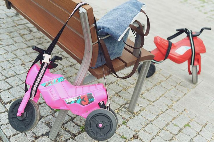 The Pocket Trailer is a special strap for kid's running bike and motor. You can hang up the bike and motor on the baby buggy or your shoulder. The Pocket Trailer decorated with lace. It is fashionable, stylish and feminine. https://www.facebook.com/pockettrailer https://www.etsy.com/listing/189059630/pocket-trailer-carrying-strap-for-kids?ref=pr_shop photo: Pixel Művek (https://www.facebook.com/pixelmuvek)