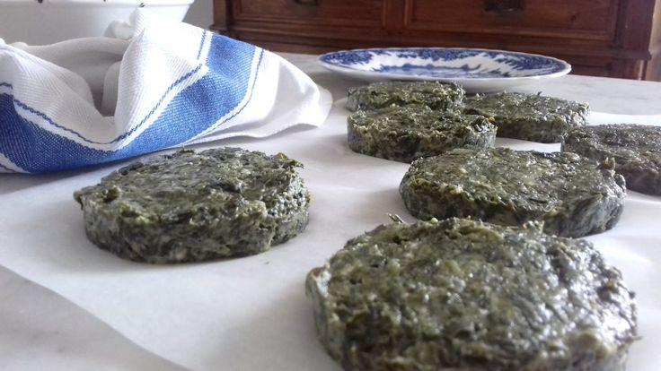 Burger agli spinaci semplici in padella