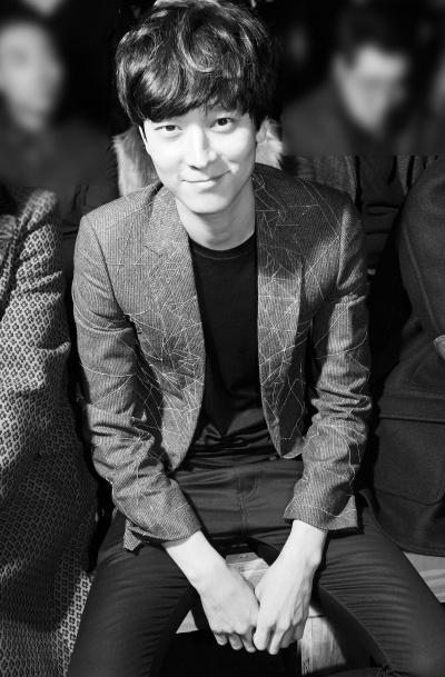 Kang Dong Won - Paris Fashion Week 2013 - Yves Saint Laurent Menswear