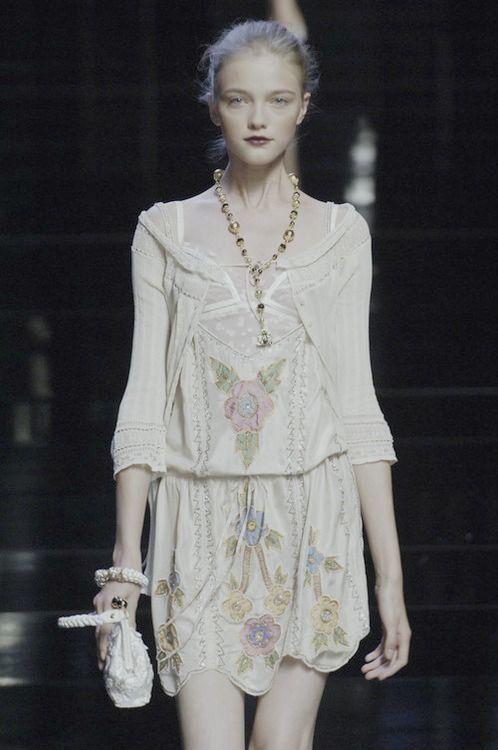 #floral #white #fashion