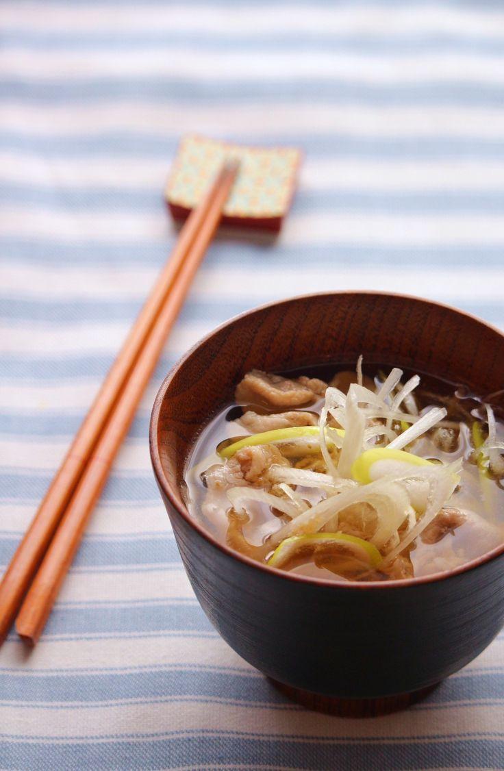 【98Kcal】風邪引きさんに♪ぽかぽかネギ塩豚汁。 by 平野信子 / 栄養データ(1食分)エネルギー98Kcal 塩分1.2g 食物繊維0.6g 野菜26g / Nadia