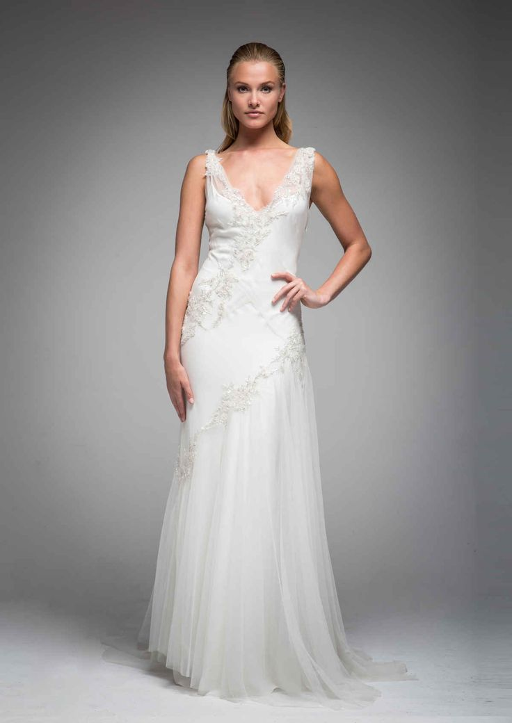 Beautiful Plus Size Beach Wedding Dress Straps Pleats Chiffon Bedas Applique Sleeveless A Line Sweep Train