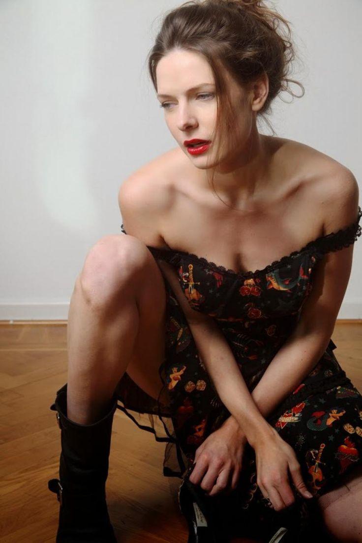 rebecca ferguson naken