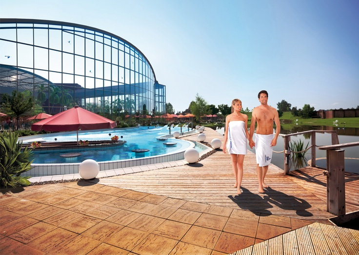 Garden of the Spa area & Saunas THERME ERDING