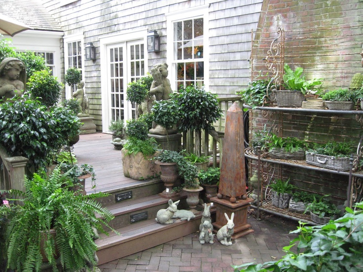 A lovely outdoor space. Happens to suit our 1928 home perfectly! Shop exterior at 'Nantucket Looms'.
