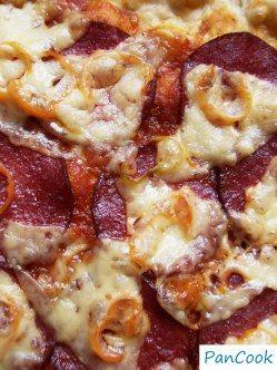 Pizza z salami/Pizza with salami