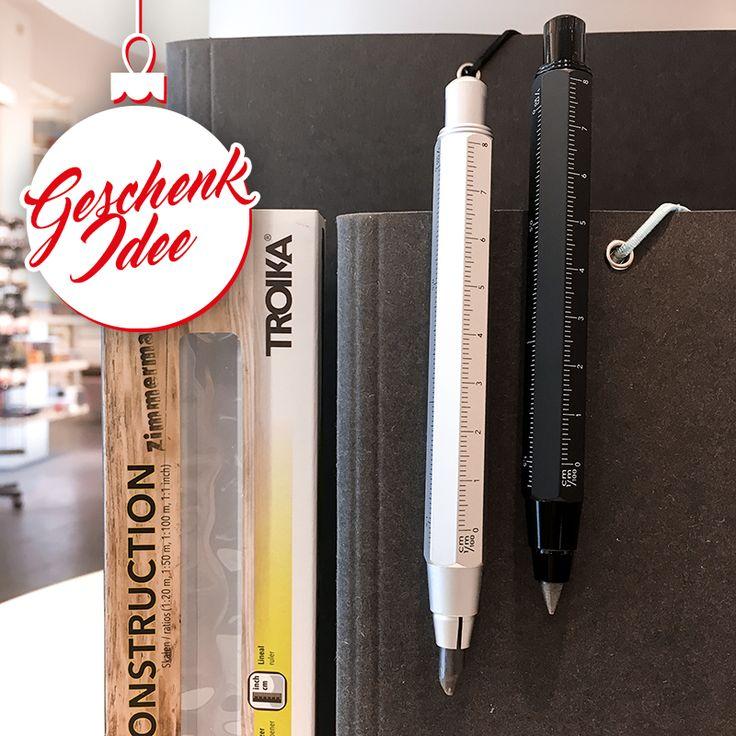 """Nicht nur für Handwerker - unsere #GESCHENKIDEE No. 10: der TROIKA Germany CONSTRUCTION PEN - Zimmermannsbleistift (Fallminen-Stift, 5,6 mm HB-Mine) mit Zentimeter- und Zoll-Lineal (1:20 m und 1:50 m Skala) mit integriertem Anspitzer, in silber oder schwarz.   Ein #Schreibgerät - genau richtig, um Deine Ideen kraftvoll zu #skizzieren, selbst auf rauen Oberflächen wie Holz, Stein und Beton. Und genau das richtige Geschenk für deine/n """"Handwerker/in"""" Zuhause"""