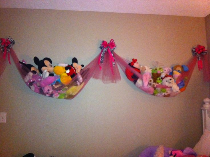 Stuffed animal storage hammock idea for a baby, child's bedroom/play room. Easy to display and store without taking floor space.
