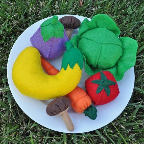 Felt Food Rainbow of Vegetables 7 Piece Set by TheFeltedPear, $36.00
