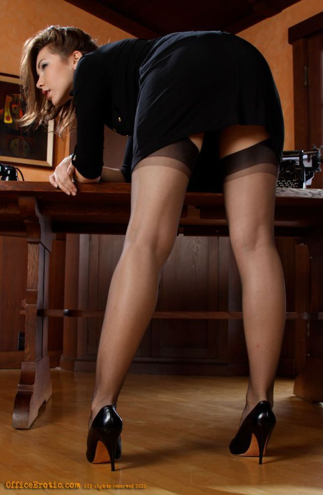 heels nylons lamour escort