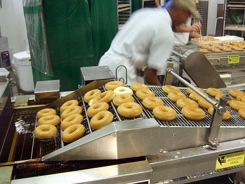 donuts on conveyor belt