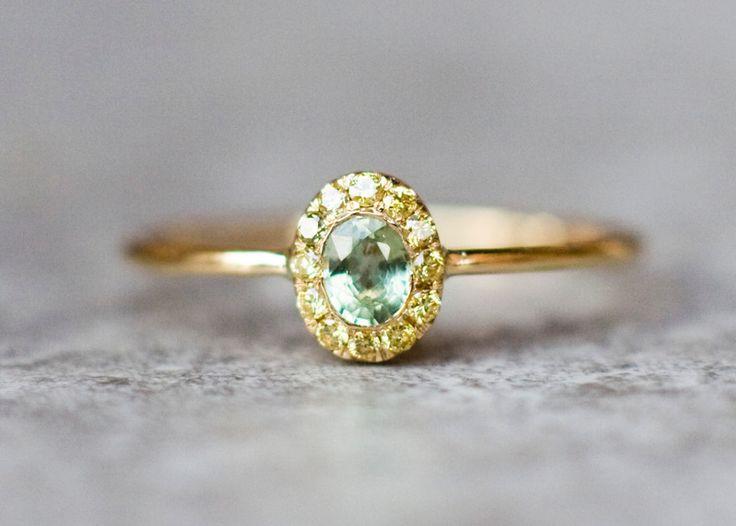 Oval+Halo+Diamant-Verlobungsring,+Ehering,+von+ARPELC+HANDGEMACHTER+SCHMUCK+auf+DaWanda.com