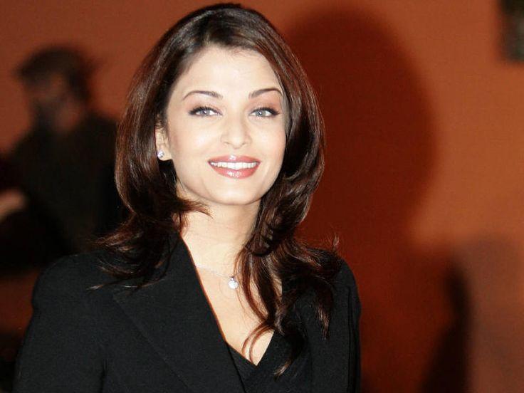 Aishwarya Rai Back to Bollywood Movie Read More at http://www.myhub.co.in/aishwarya-rai-back-bollywood-movie/
