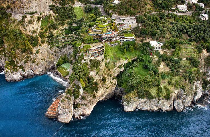 "Relais & Châteaux ""Il San Pietro di Positano"". Hotel and restaurant on the seafront. Italy, Positano. #relaischateaux #ilsanpietrodipositano #positano #italy #italie #italia #breathtaking #luxuryhotels #hotel"