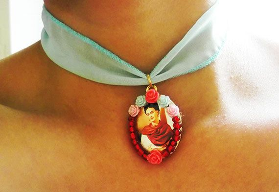 Frida Kahlo Inspired - Frida & Rosas - Diseños Mexicanos - Joyeria y Bisuteria - Collares Mexicanos de ArteImMrAmA en Etsy