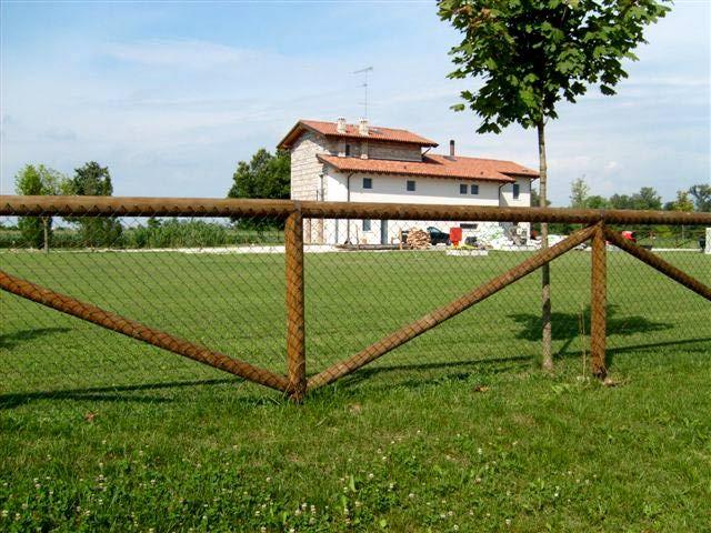 Retax recinzioni legno cancelli recinzioni for Recinzione legno giardino