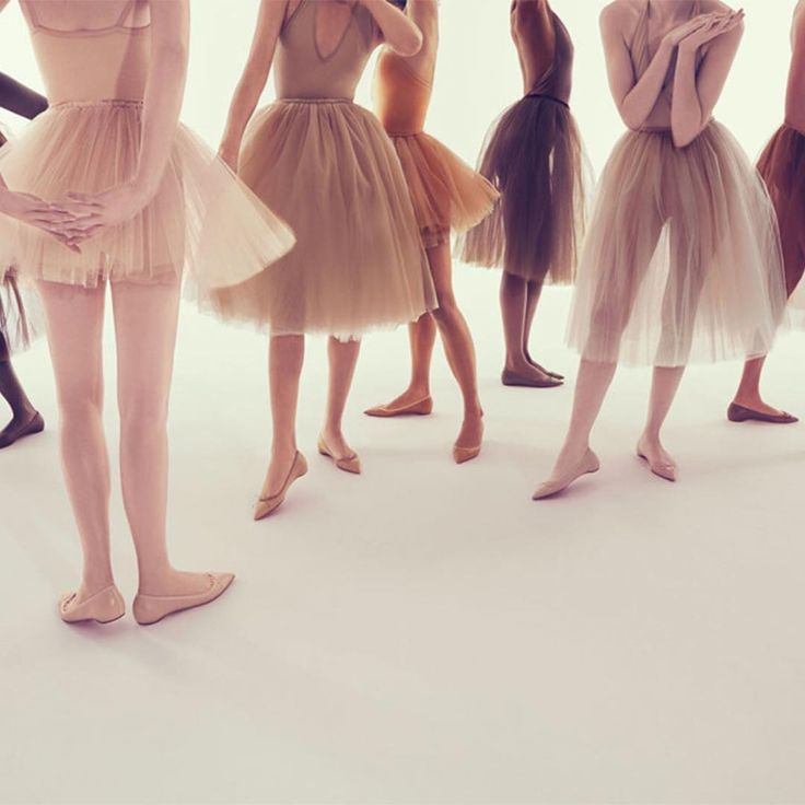 Tutus and flats... - Vicki Archer #oneofmyfavouritethings  #ballet #ontheblog // http://vickiarcher.com/2016/07/3-ways-look-longer-leaner-flats/