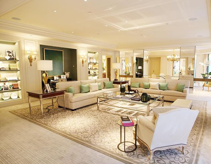 The Royal Suite Livingroom