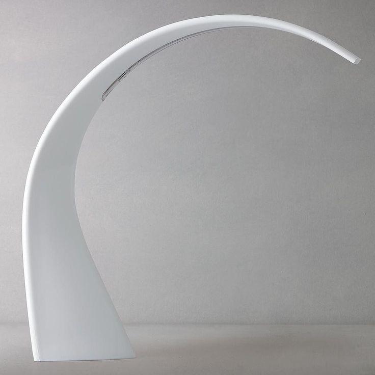 WOW! Śnieżnobiała lampa Taj firmy Kartell - idealna do skandynawskich wnętrz i nie tylko! Lampa dostępna na Designisgood.pl dostawa gratis w całej Polsce!