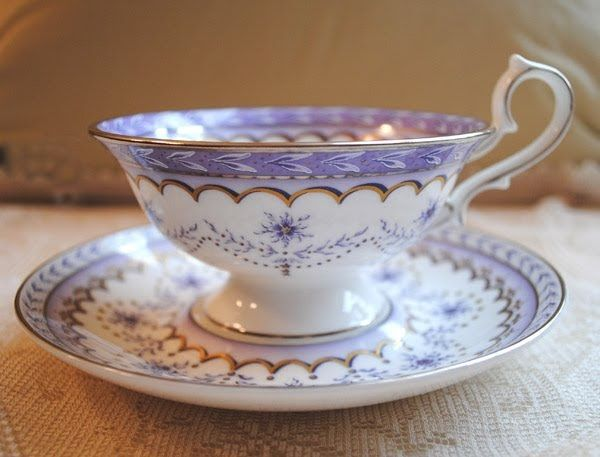 Tea Cup & Saucer Set I absolutely adore this design & color combination!