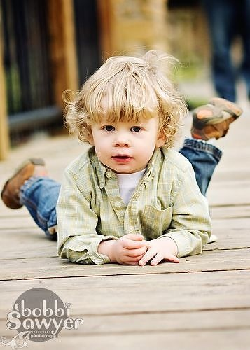 Super cute toddler pose....wish Ben would hold still!!!