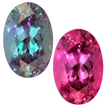 Brazilian Alexandrite: same gemstone changes color in light source