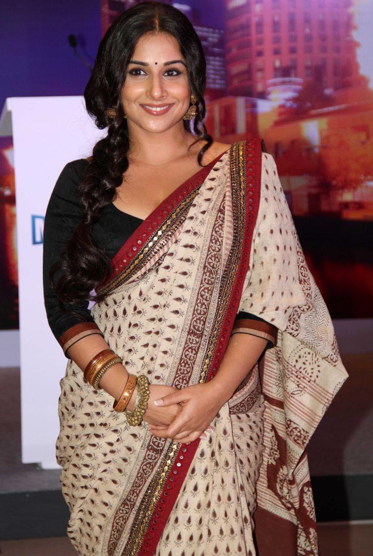 Vidya Balan in #saree at Melbourne-India #Film Festival