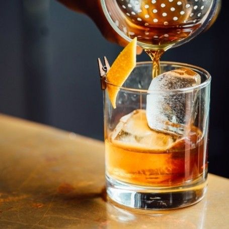 Christmas drinks cabinet essentials - what to drink at Christmas - Red Online