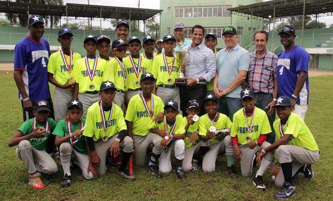 Proyecto 4 se corona campeón Torneo Nacional de Béisbol Escolar