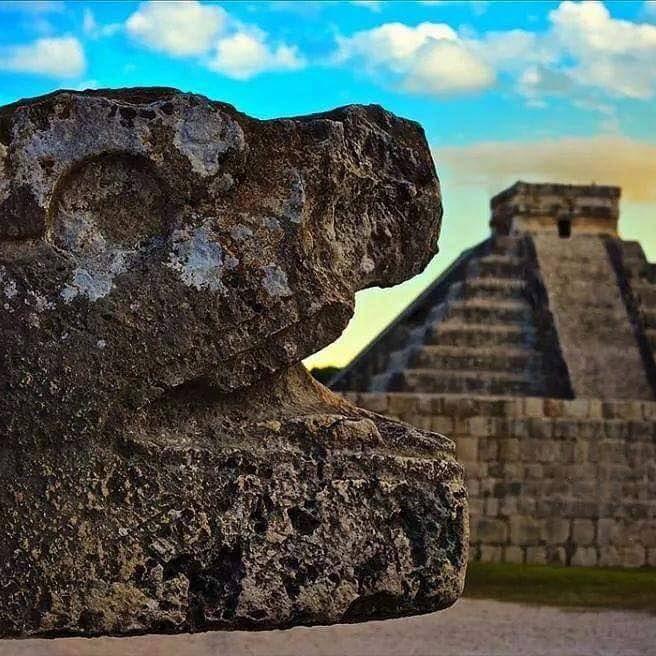 Kukulcán Chichén Itzá  Yucatán, México