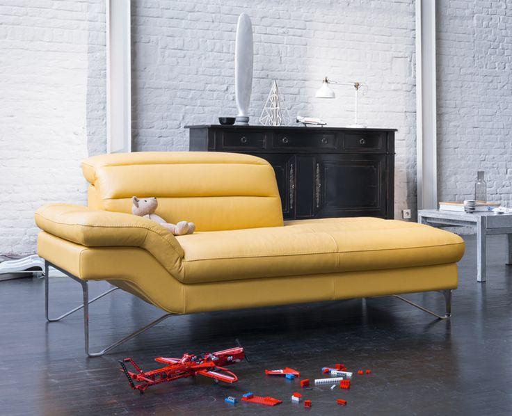 Pour accompagner le canap audrey retrouvez la dormeuse fixe en cuir avec t ti res relevables for Canape relaxation electrique monsieur meuble