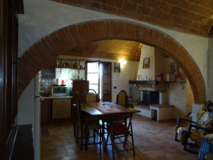 Vendita appartamento stile rustico Titignano Pisa