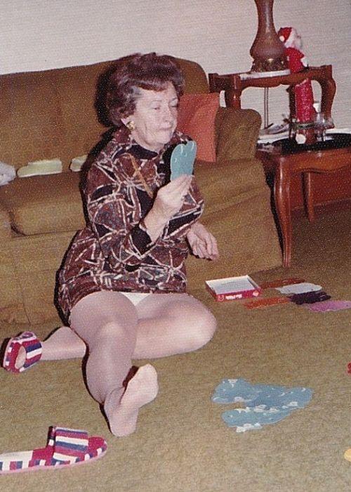 Granny nylon pornos