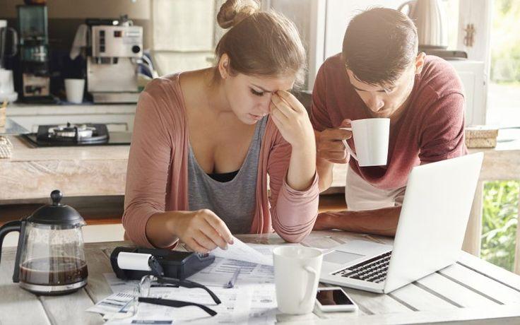 20% семей в США - банкроты http://fito-center.ru/ekonomika/67941-20-semey-v-ssha-bankroty.html  По данным вашингтонского аналитического центраInstitute for Policy Studies, каждое пятое американское домохозяйство имеет нулевое или отрицательное богатство (то есть, люди больше должны, чем имеют):Особенно плохо идут дела у афроамериканских и латиноамериканских домохозяйств — в этих категориях доля фактических банкротов составила 30% и 27% соответственно.