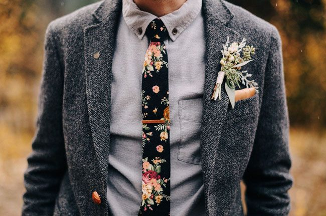 Love this groom's thrifted outfit + floral tie