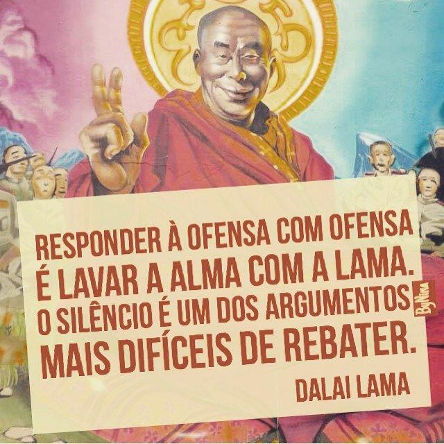 """@instabynina's photo: """"Pratique mais o silêncio. Principalmente se estiver de cabeça quente ou ouvir alguma bobagem. Boa noite! #frases #citações #dalailama #silêncio #instabynina"""""""
