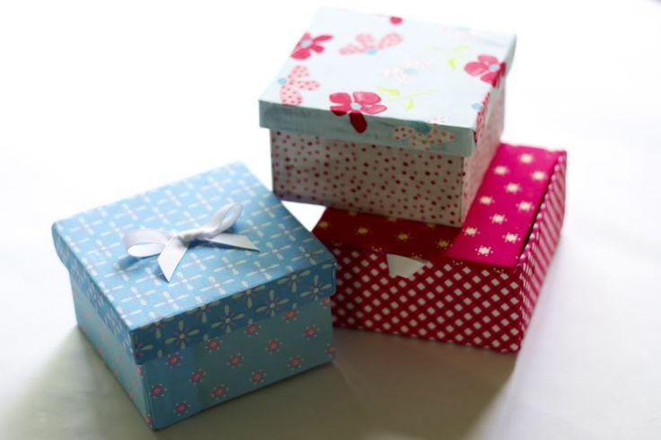 ATELIER CHERRY: Cobrindo caixas com tecido