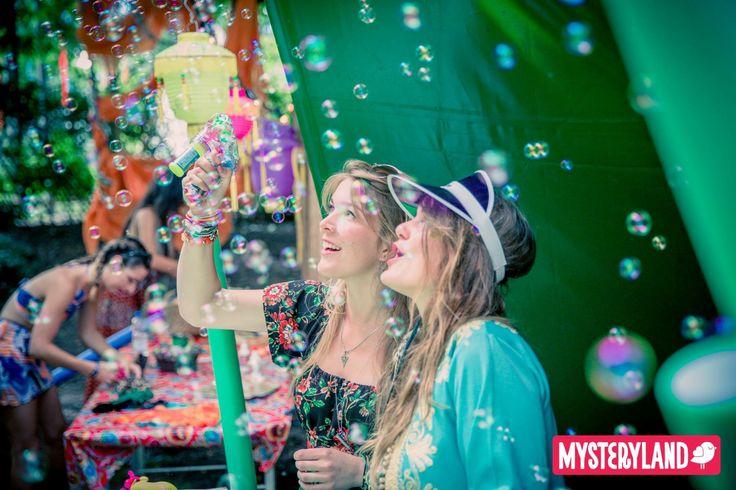 Festival entertainment bubbles rage sticks