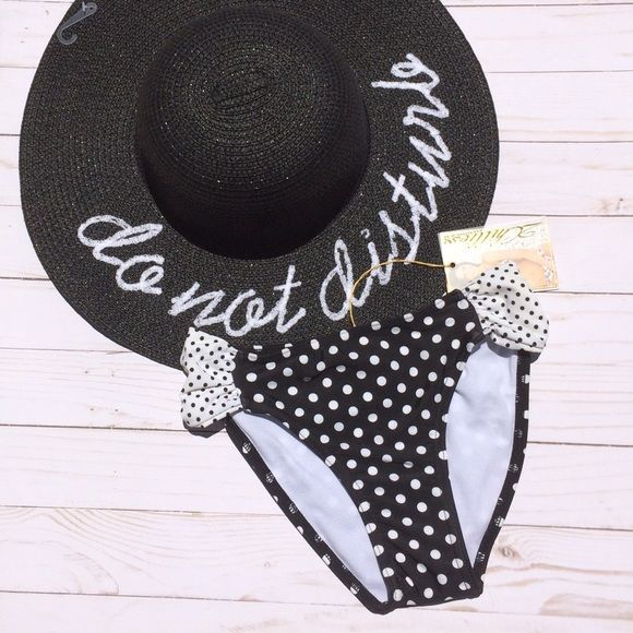 Black Polka Dot Bikini Bottoms Very flattering black and white polka dot bottoms have a very forgiving fit. Match with solid black top, or matching polka dot top in my closet. Please refer to my 2 chillies sizing chart to find your perfect fit😍 2Chillies Swim Bikinis