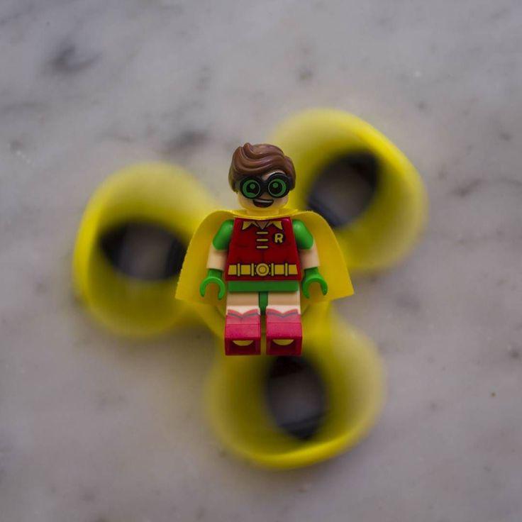 Yeeeeeeeeeeeeeee  #lego #fidgetspinner #yellow
