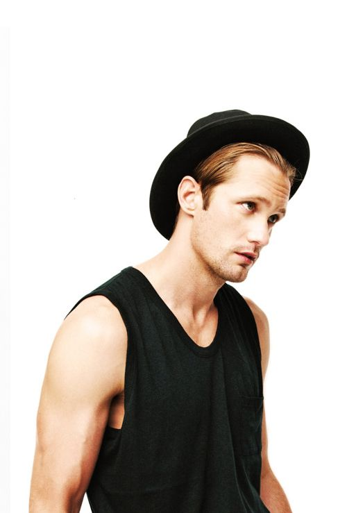 Alexander Skarsgård --> Eric Northman ... yes PLEASE!