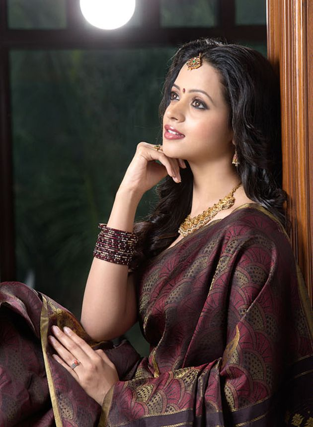 actress-bhavana-photo-shoot-in-saree-9.jpg (630×859)