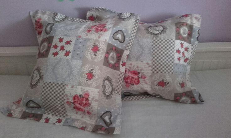 Cojines románticos en rosa