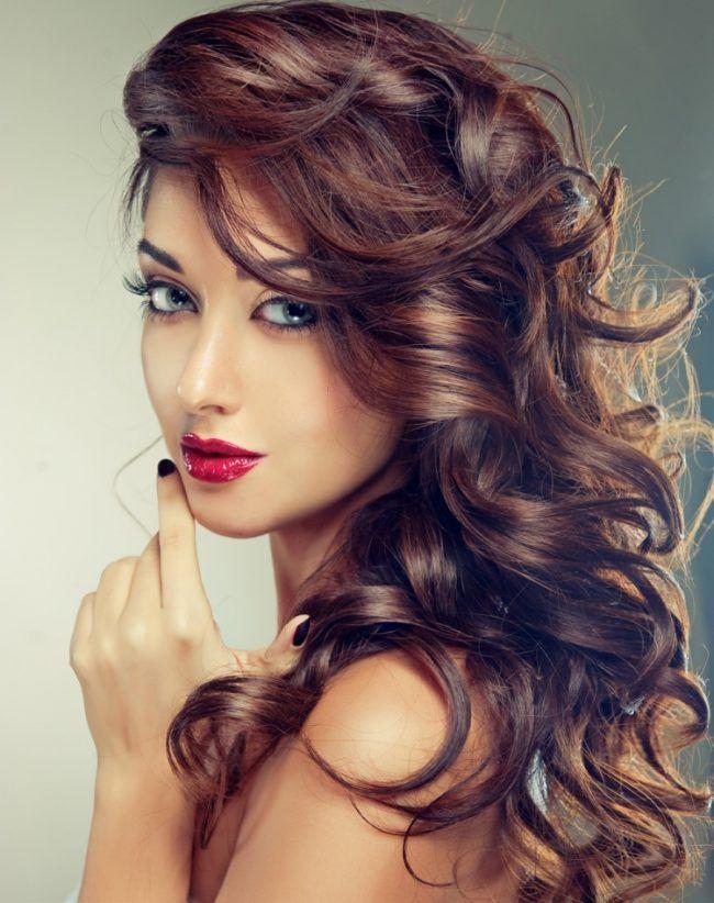 Haare färben nach dem Mondkalender braune-haare-toenungen-locken
