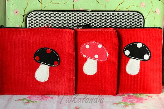 Red MushroomZipper Pouch, Mushroom Zipper Pouch With Key Ring, Mushroom Applique Zipper Wallet - Coin Purse - Camera Pouch - Phone Pouch